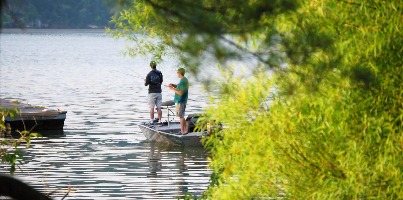 Claytor Lake fishing